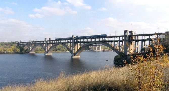 мост через реку Днепр в Запорожье - stroyone.com