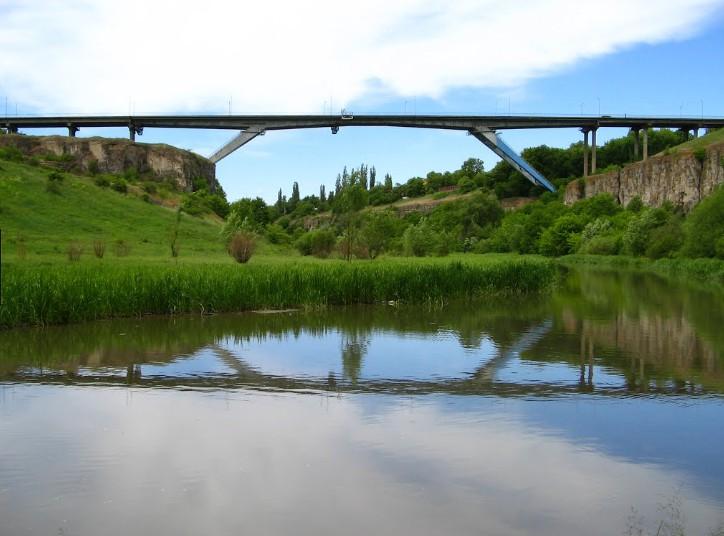 Мост через реку Смотрич в районе Каменец - Подольского - stroyone.com