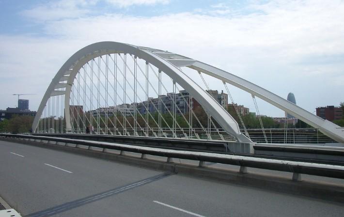 Пешеходный арочный мостФилиппа 2 в Барселоне - stroyone.com