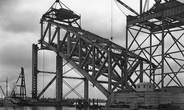 Строительство арочного моста методом навесного монтажа Bayonne Bridge 1931 - stroyone.com