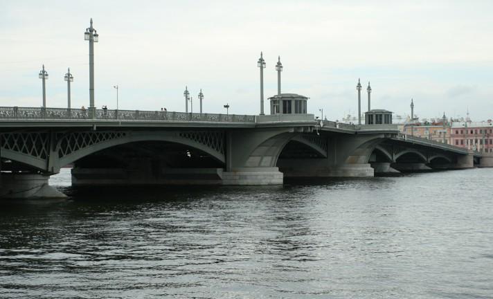 Чугунный арочный Благовещенский мост (Лейтенанта Шмидта) - stroyone.com