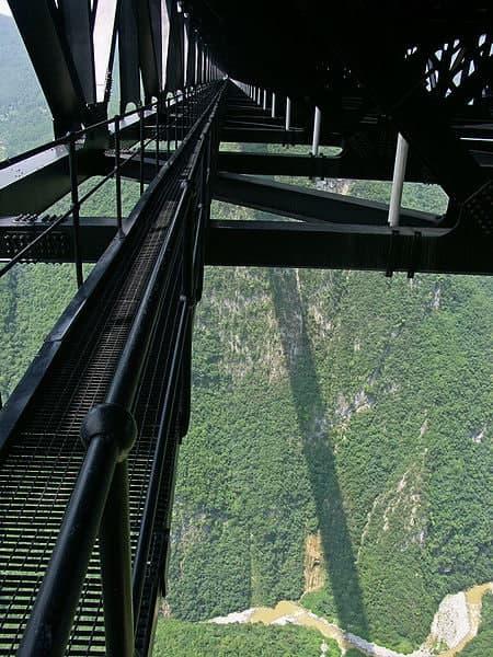 Технологические проходы висячего моста Sidu River Bridge