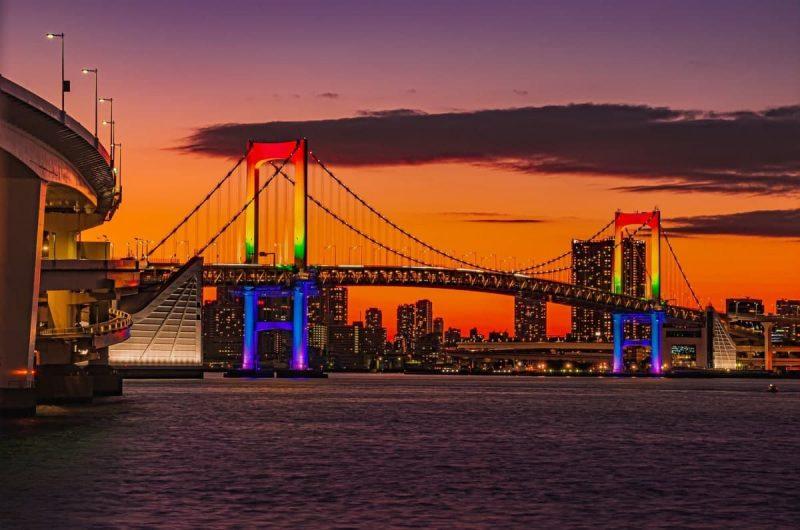 Общая длина висячего моста Rainbow Bridge (Tokyo) (total length) - 798 м